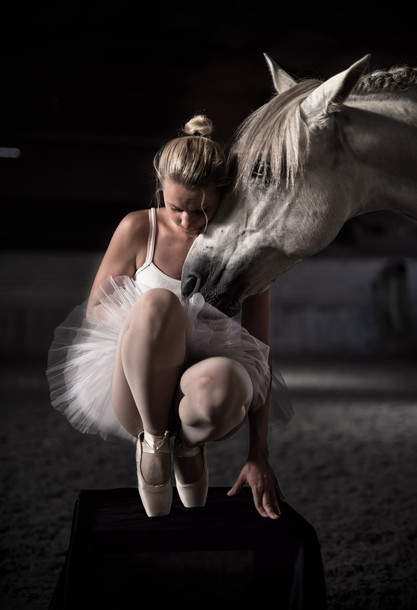 Pferd-Ballett-Frau.JPG