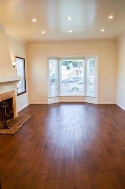 3745 Buckingham Rd Livingroom_
