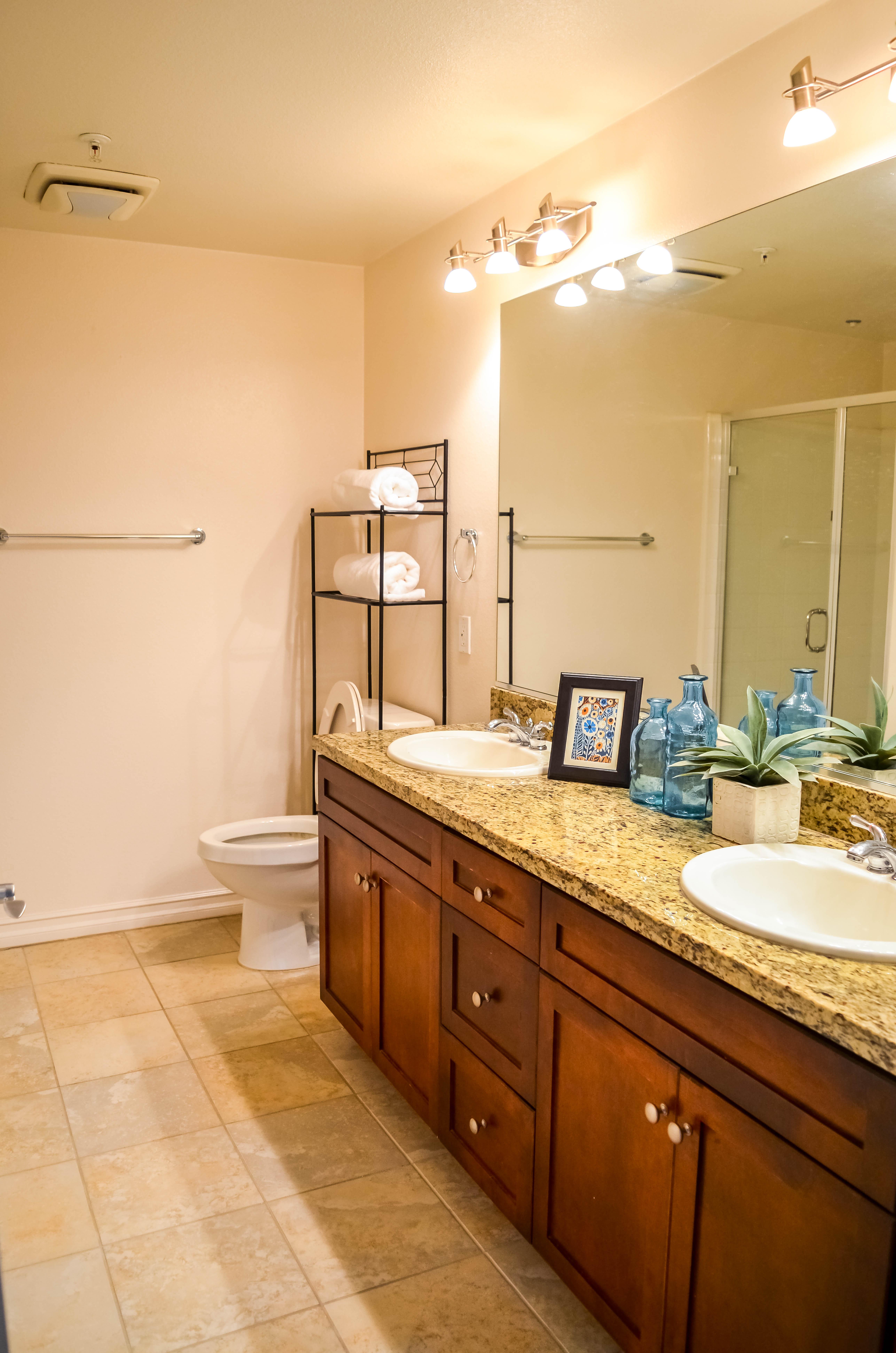 MURA upstair bathroom u