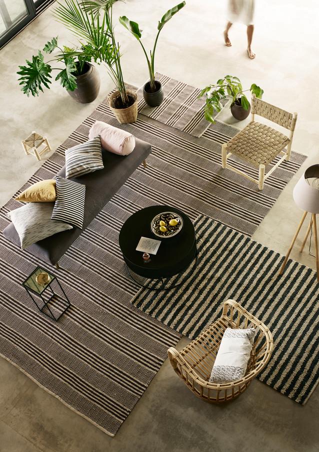 royal bee living room
