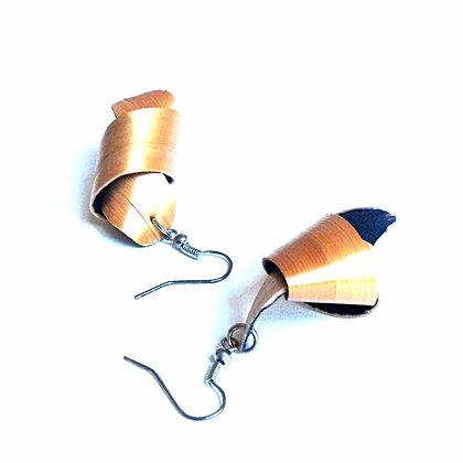 Boucles d'oreilles noeud en paille dorée