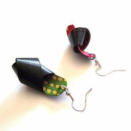 Boucles d'oreilles noeuds en paille de seigle noire