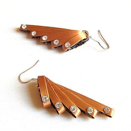 Boucles d'oreilles rubans de paille dorée et cristaux