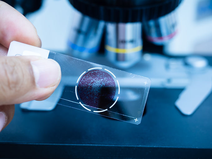 Selective focus microscope glass slide f