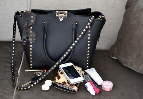 The Three Beauty Items You'd Find If You Stole My Purse