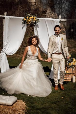 Auszug Brautpaar.jpg