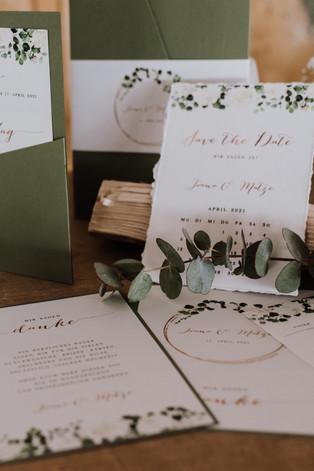 Hochzeitseinladung grün.jpg