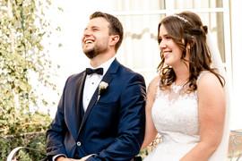 11_Glückliches_Brautpaar.jpg