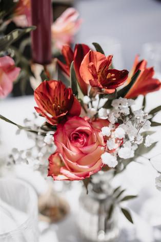 Blumendeko Hochzeit pink.jpg