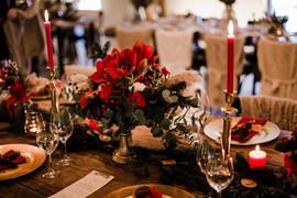 Blumendeko Hochzeit rot.jpg