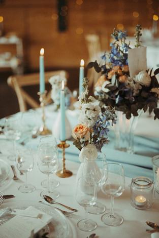 Tischdeko Hochzeit blau.jpg