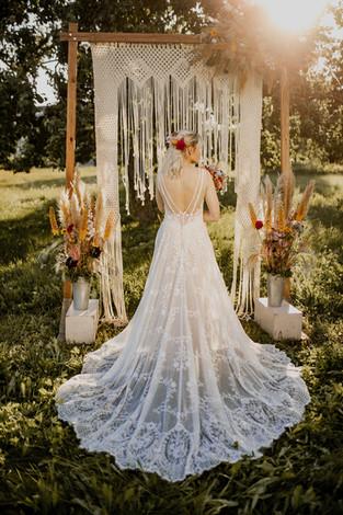 12 Brautkleid.jpg