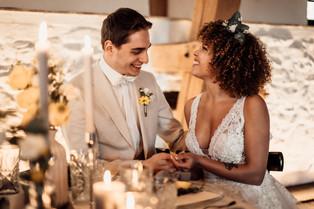 Brautpaar Tischdeko.jpg