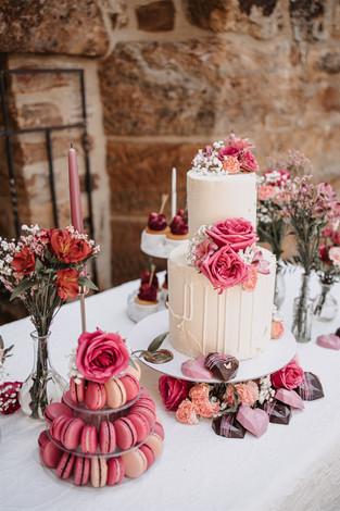 Hochzeitstorte pink.jpg