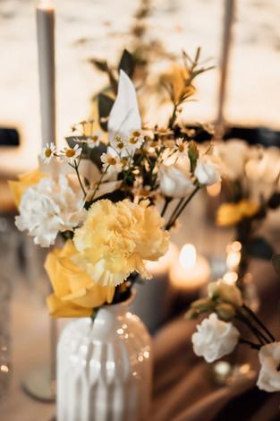 Tischdeko Hochzeit gelb.jpg