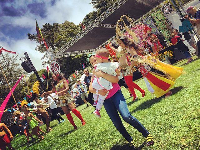 Girls got up to join the dancers #OneWorldFestival #CerritoVistaPark #ElCerrito #BayExplorers #HaveFun #GetAwayFromYourTV #GetOutside #GetEx