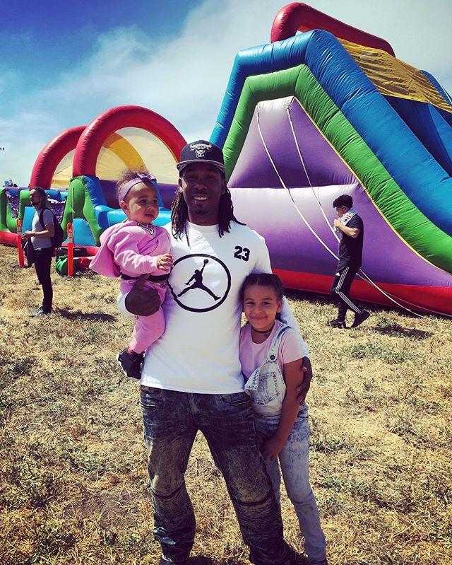 My favorite three people 😍 #KiteFestival #BerkeleyMarina #BayExplorers #FamilyFirst #MyLoves #BePresent #GetOutside #GetExploring #PlayAllDa