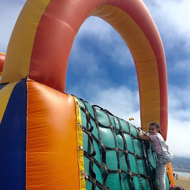 Climbing to the sky at the Berkeley Kite Festival at the Berkeley Marina this past weekend🎏 #KiteFestival #BerkeleyMarina #BayExplorers #Pla