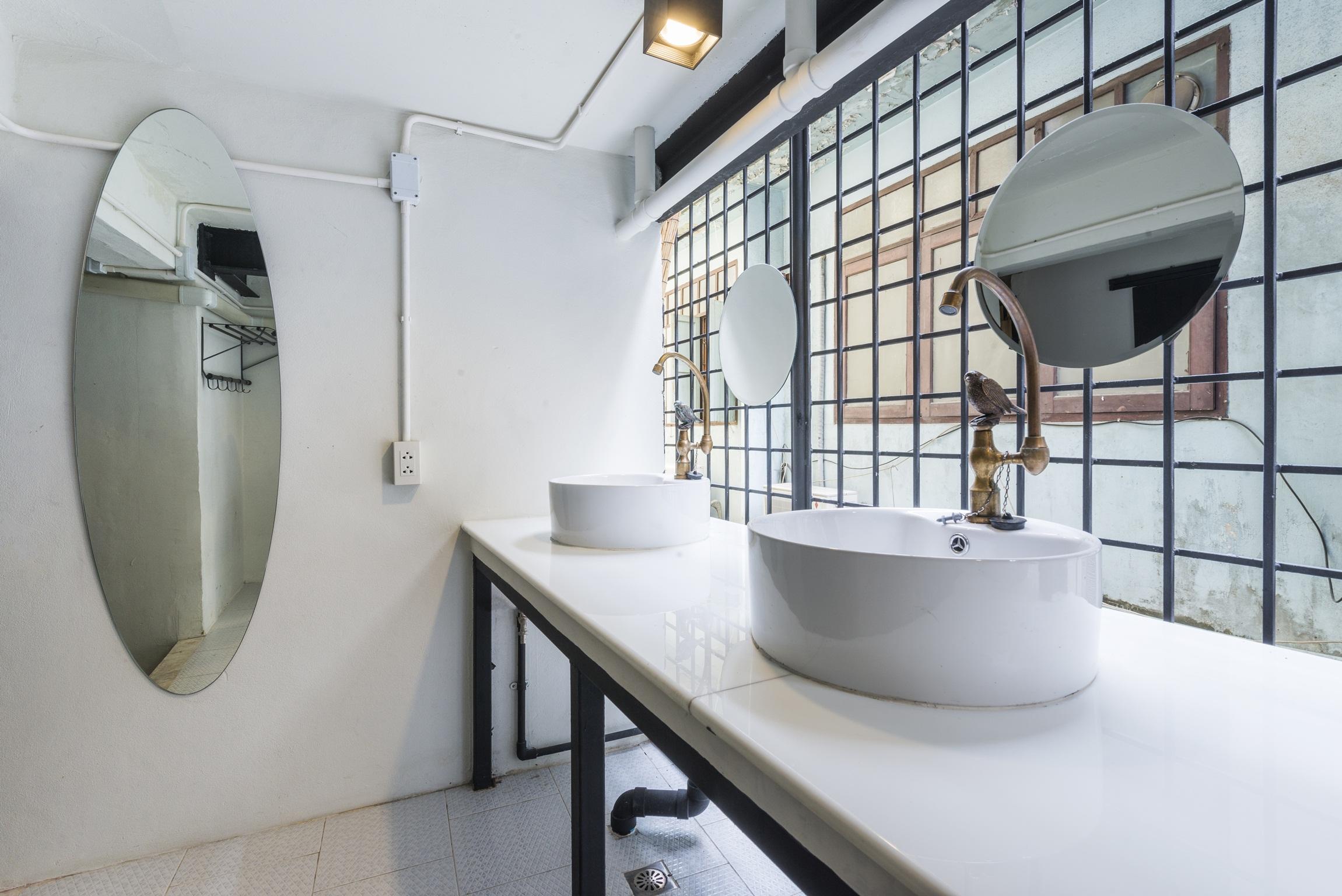 Lady Dorm Bathroom 2