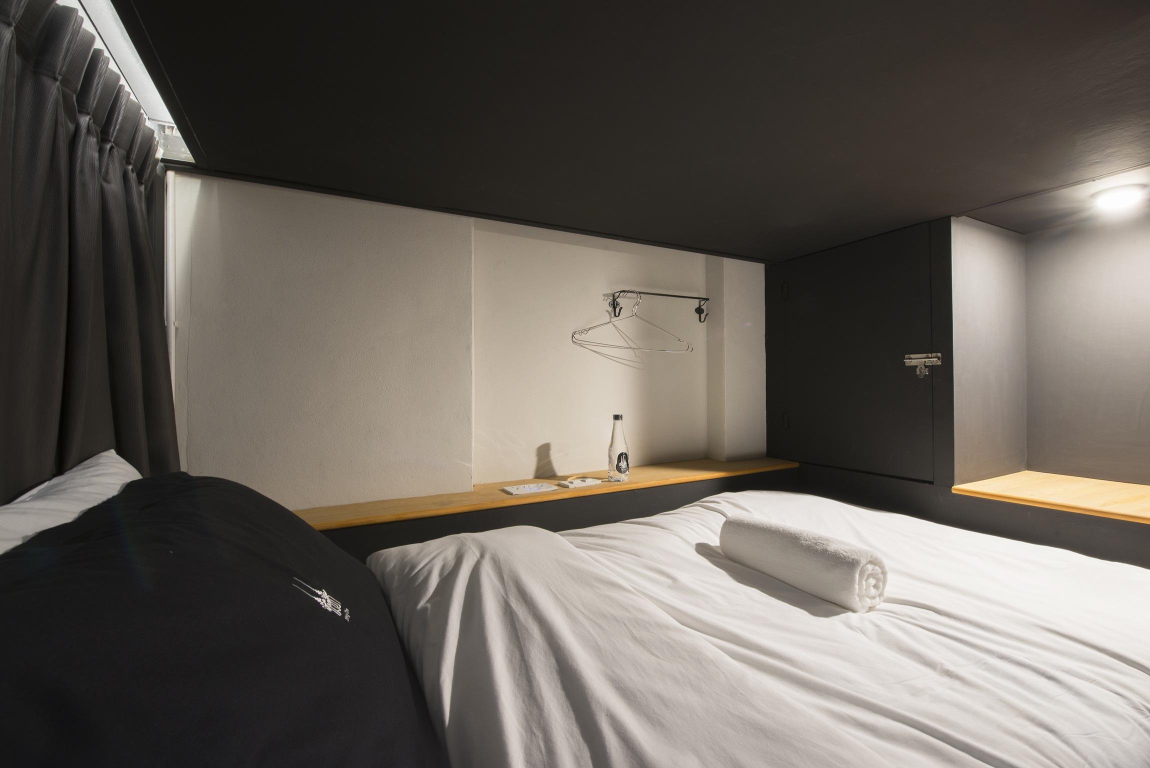 8 Mixed Dorm 3