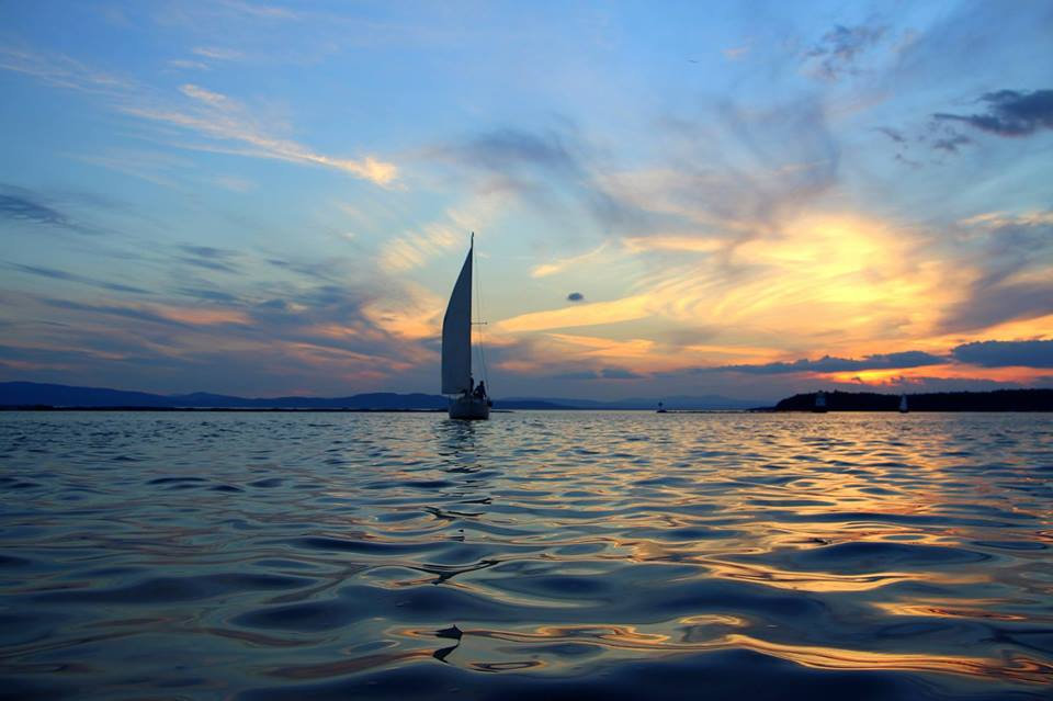 Lakefront Retreat Sunset Sail
