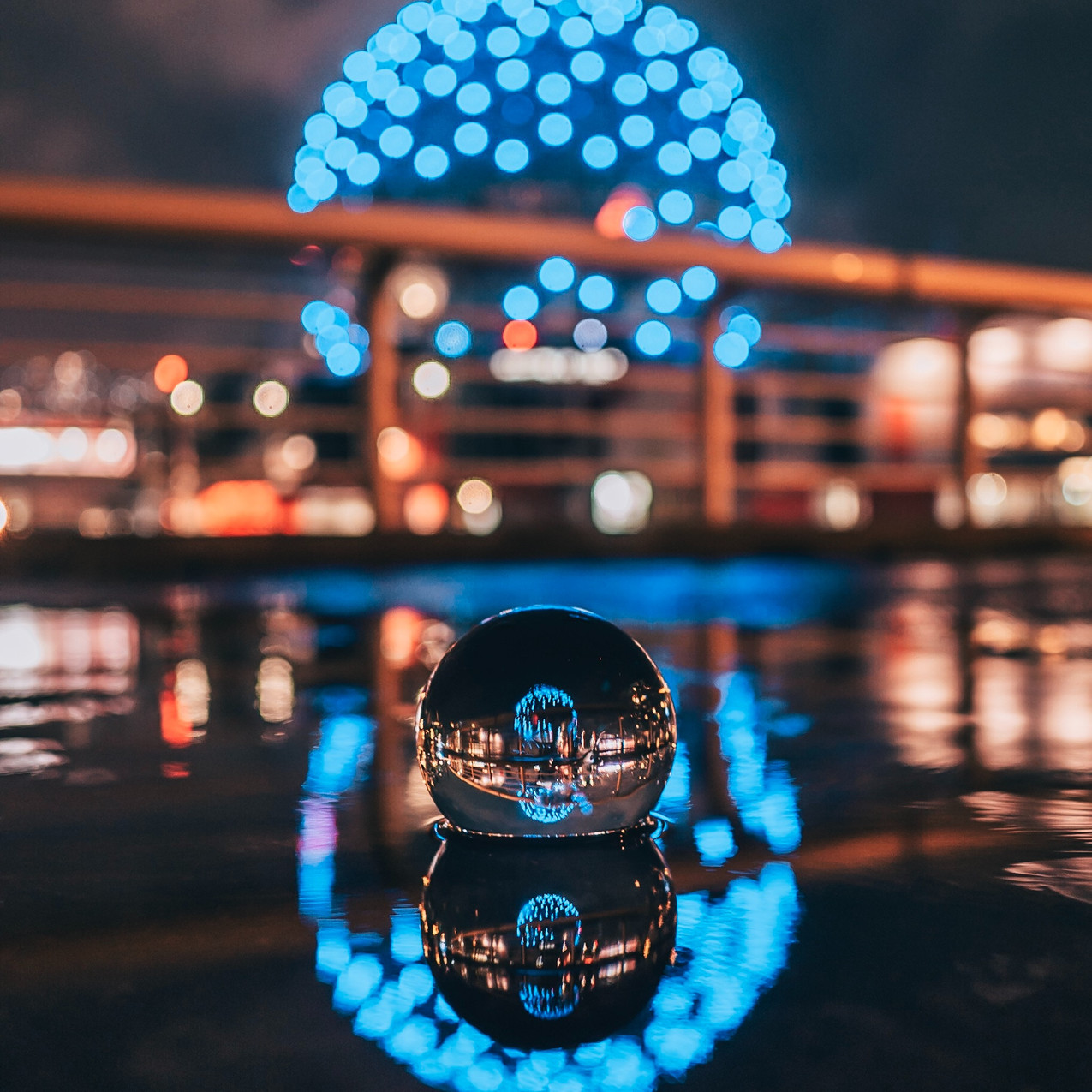 Lensball - in water
