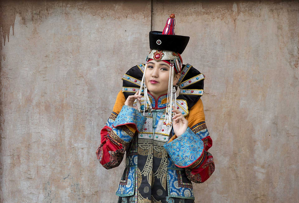 traditional Mongolian Queen clothes