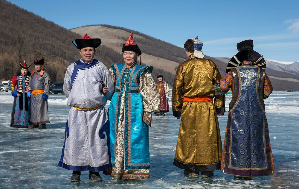 Tradtional Mongolia clothes - ethnic groups