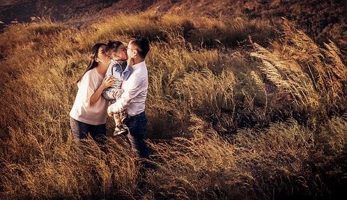 Outdoor Family Portrait- Package B ( 15pics + makeup+ CM )