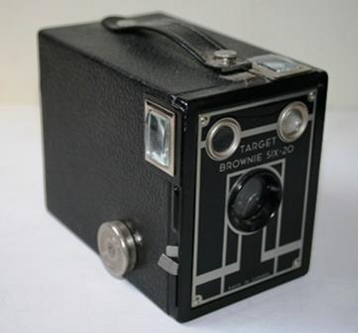 antique camera.png