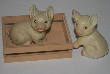 """Two Little Piglets"" Salt & Pepper Shaker Set"
