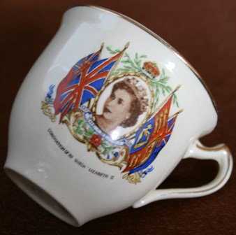QUEEN ELIZABETH II  1953 CORONATION TEA CUP