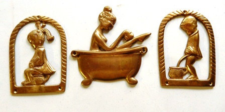 Bathtub Wall Ornament