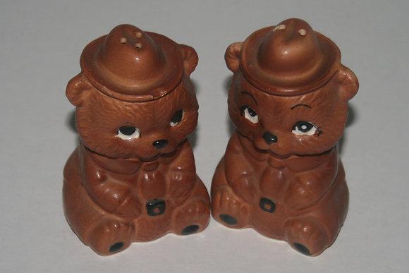 Vintage Brown Bear Salt and Pepper Shakers