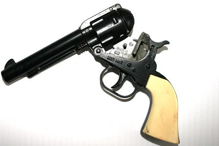 Outlaw Kid 2  Repeating Action Cap Pistol
