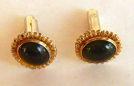 1960s vintage gold with jade stone cuff links