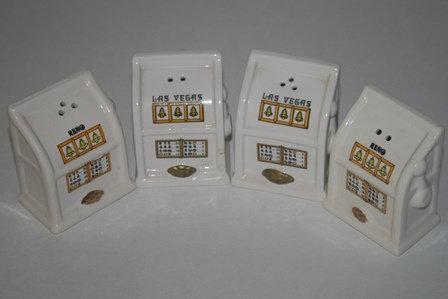 Las Vegas Slot Machine Salt and Pepper Shakers (4)