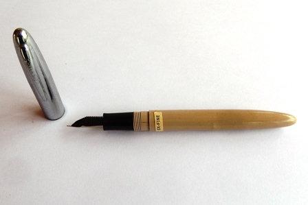 Vintage Shaeffer Fineline Fountain Pen