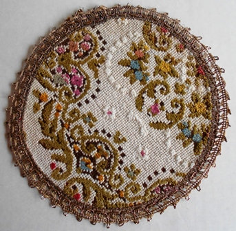 Round and Oval Doilies (Set of 4)