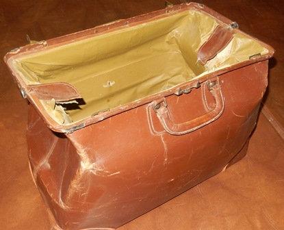 Vintage Large Tan Gladstone Leather Bag