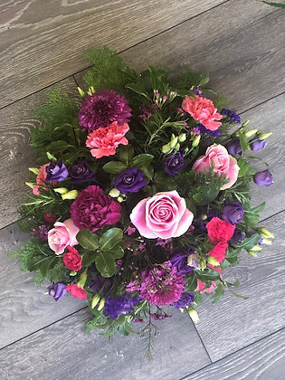 pink and blue posy tribute
