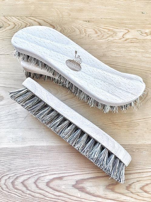 La Droguerie Fabric Brush