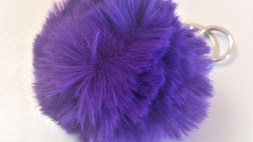 pompon porte clef violet