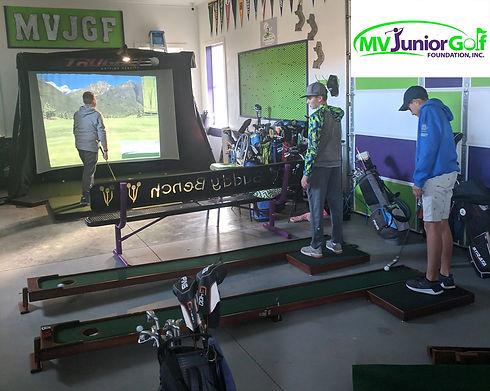 MVjuniorgolf studio with launcher and Pu