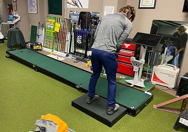 Jess-hansen-Pro-Trainer-&-SAM-on-display