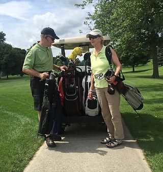Wayne & Cindy Golfing.jpg