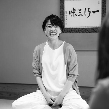 【TERUTERU(照井春奈)】.jpg