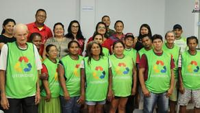 PMJ entrega coletes para o projeto coleta de resíduos sólidos do Festribal
