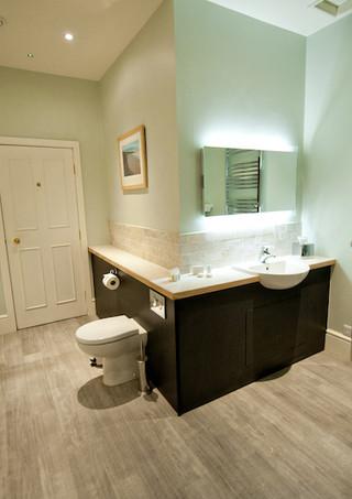 Dyfi Bathroom