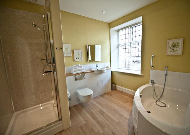 Hafod Bathroom